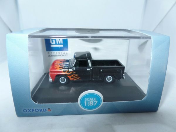 Oxford USA 87CP65004 CP65004 1/87 HO Chevrolet Pick Up 1965 Black Orange Flames